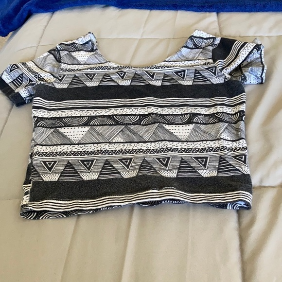 American apparel Black and white crop top